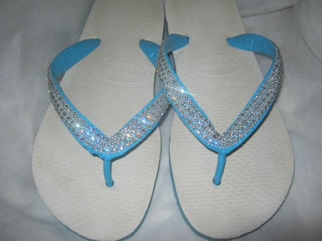 Fonte: http://www.elo7.com.br/havaianas-tradicional-azul-com-swarovski/dp/2BFC4B